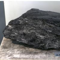 现货出售黑滑石70以上白 25镁 钙5左右,其他指标合格